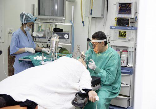 2J4A0097-Nílska nemocnica moderné vybavenie umožňuje rýchle zákroky