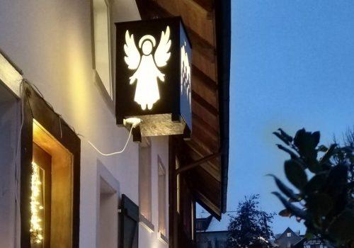 Jadro Vianoc - obrázok hore